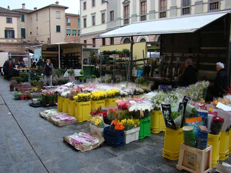 umbertide_wednesday_market