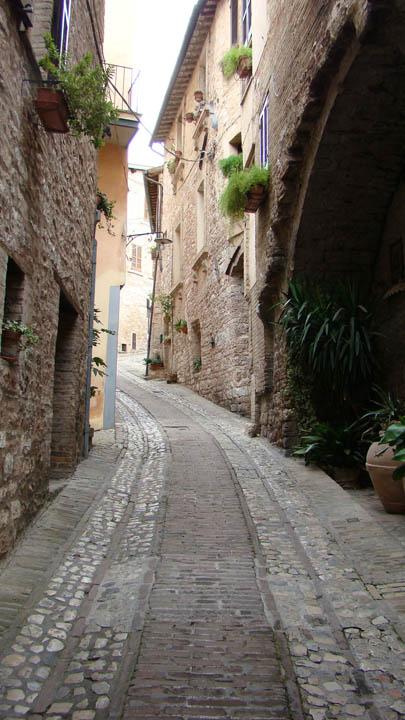 spello_street2