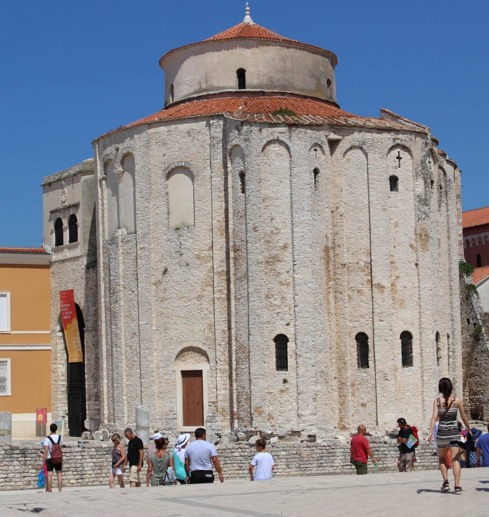 zadar_church_forum